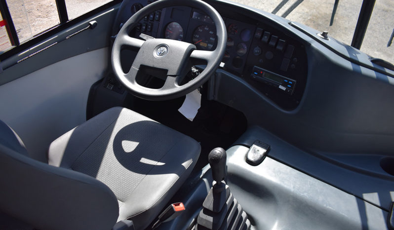 Minibús Volkswagen Pia 9.150 | 26 pasajeros lleno