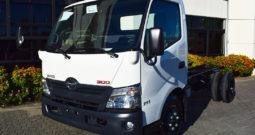 Hino Serie 300 WU710L | 110 hp